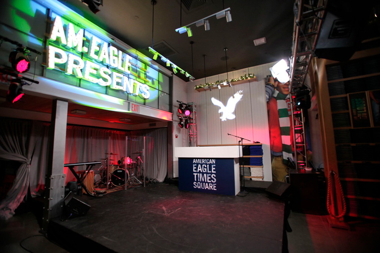 American Eagle Times Square<br/>Store Opening